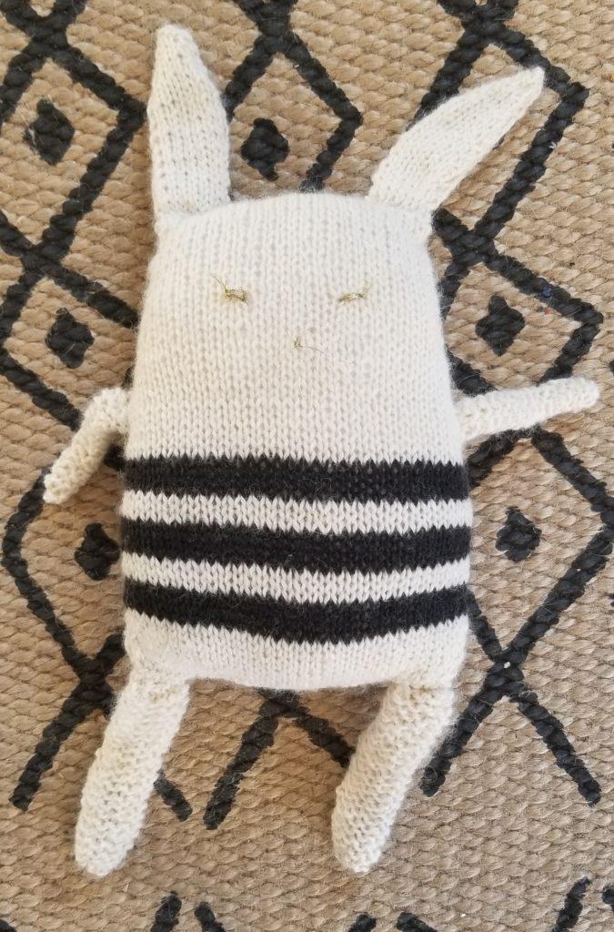 Doudou lapin en laine de chez Kesi'Art